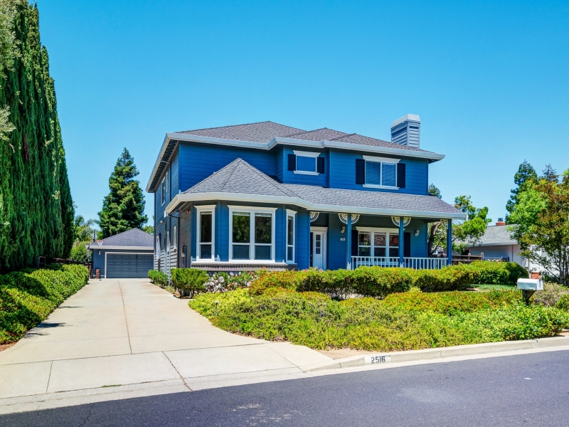 Homes by golf courses in Livermore