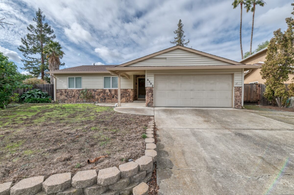 Tyler Moxley listing agent large homes